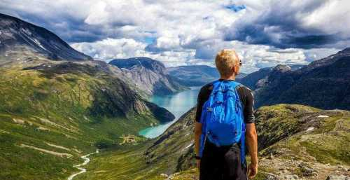📷 Travel information from Norway. Find our Travel Guide to Norway at www.saleresorts.com  #saleresorts #travelbroker